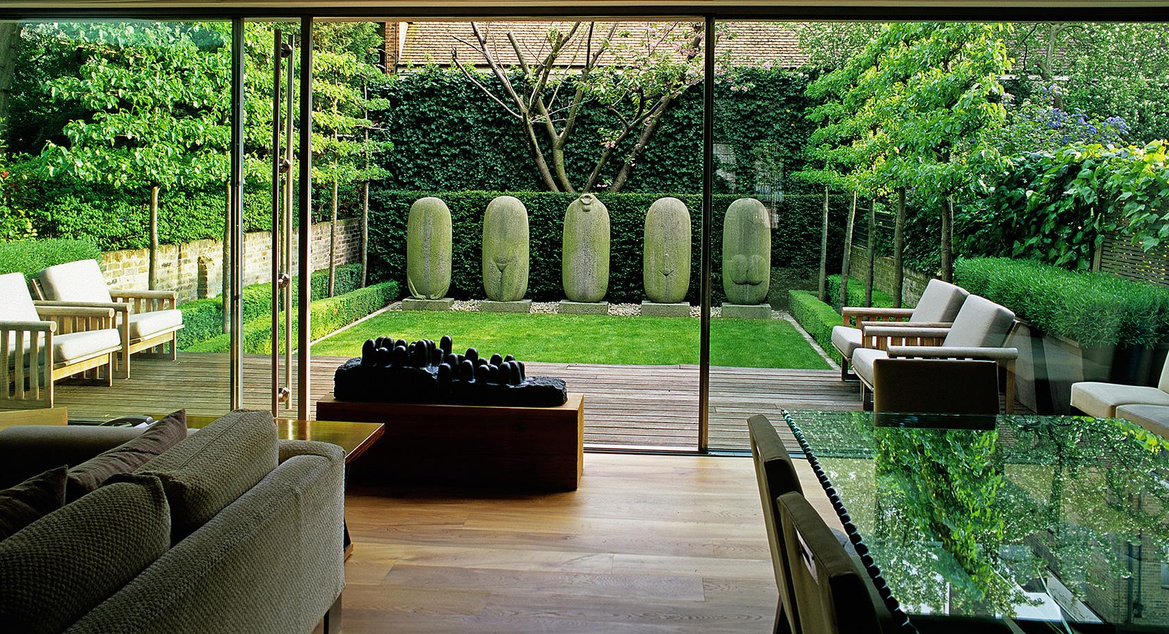 Luciano Giubbilei Kensington Gardens